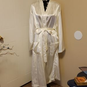 Floral Embroidered White Silk Robe